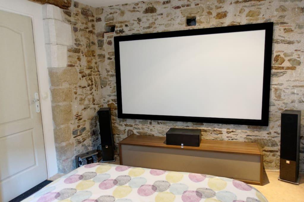 chambre mini studio dans maison de caract re bouguenais. Black Bedroom Furniture Sets. Home Design Ideas