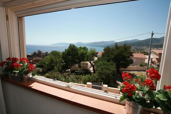 Villino con giardino vista mare - Cala Gonone - House