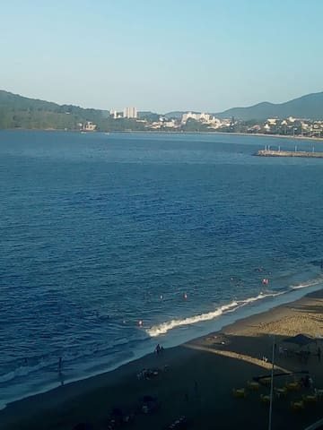 Piçarras,a beira mar..... - Piçarras, Santa Catarina, BR - Apartment