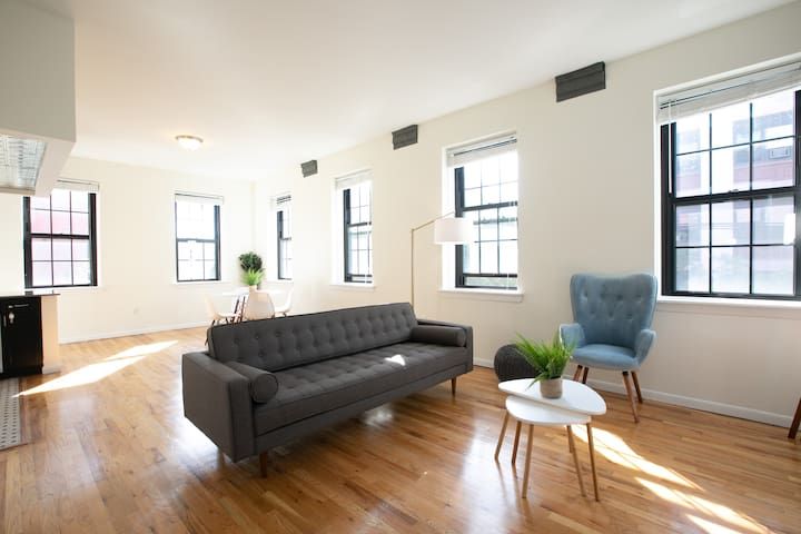 Spacious 2BR Duplex, 15 Min To NYC