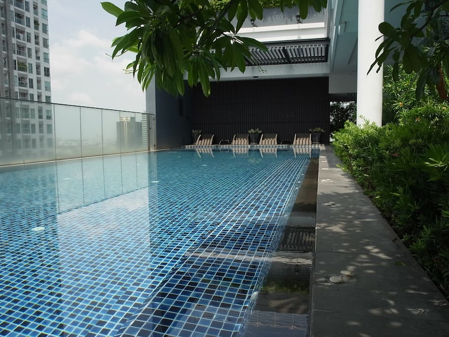 Roof top swimming pool.