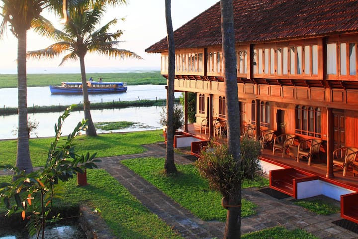Paradise in lake Vembanad