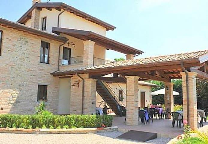 Villa Vezzosa E