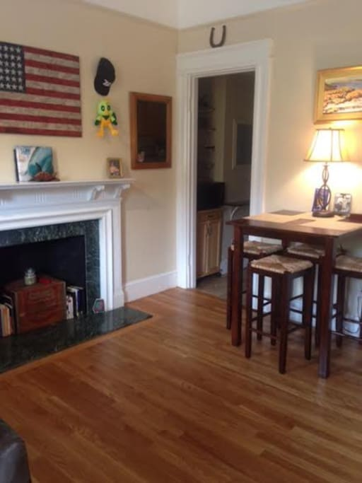 Spacious One Bedroom In Kenmore Square Apartments For Rent In Boston Massachusetts United