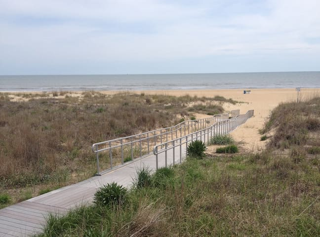 Nicest beach in Virginia Beach ( See new listing) - Virginia Beach - Appartement