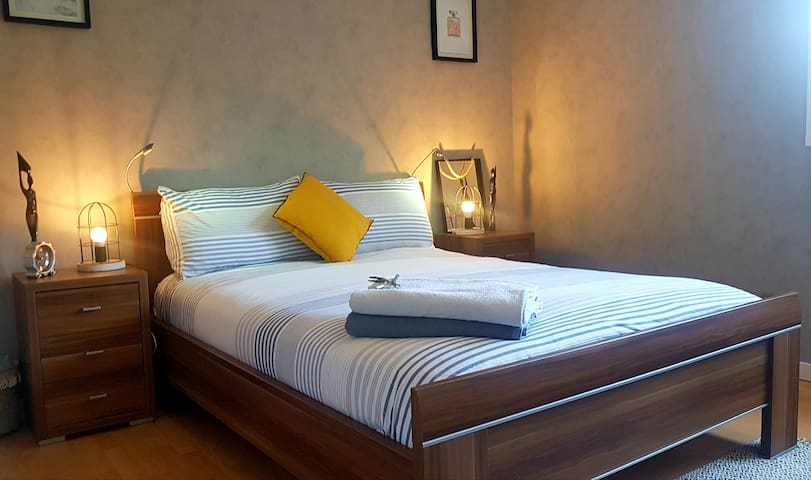Private Room. Parking.★10 mins Annecy