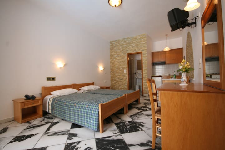 Apartments Aegeon - Naxos - Bed & Breakfast
