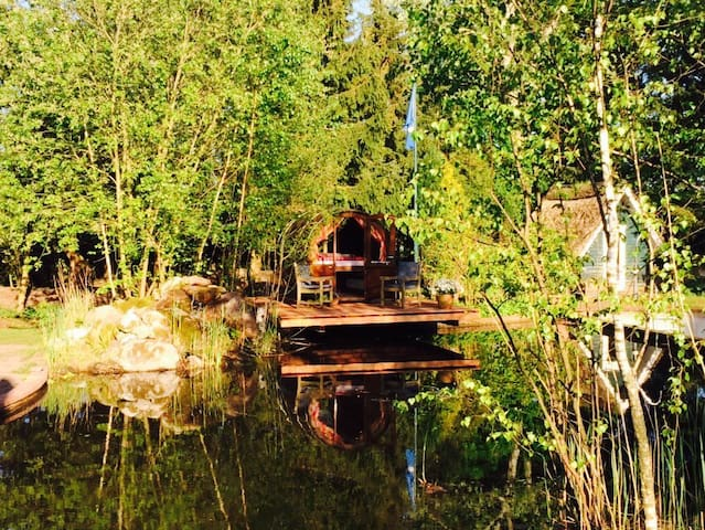 Romantisches Schlummerfass am Teich - Hasloh - Cabaña