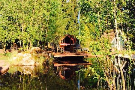 Romantisches Schlummerfass am Teich - Hasloh