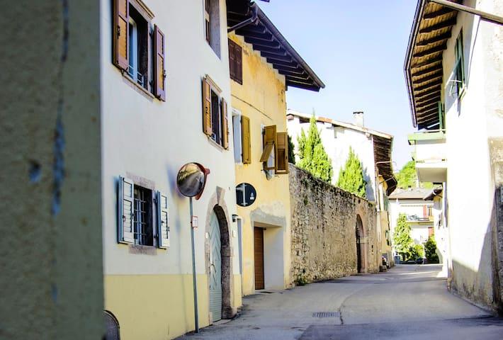 B&B al Capitello loc. Càdine-Trento - Cadine - Oda + Kahvaltı