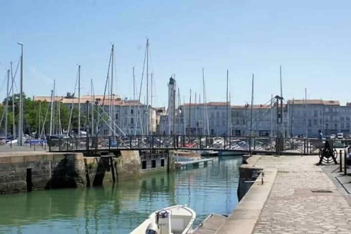 Bateau hyper centre La Rochelle (RIPTIDE)