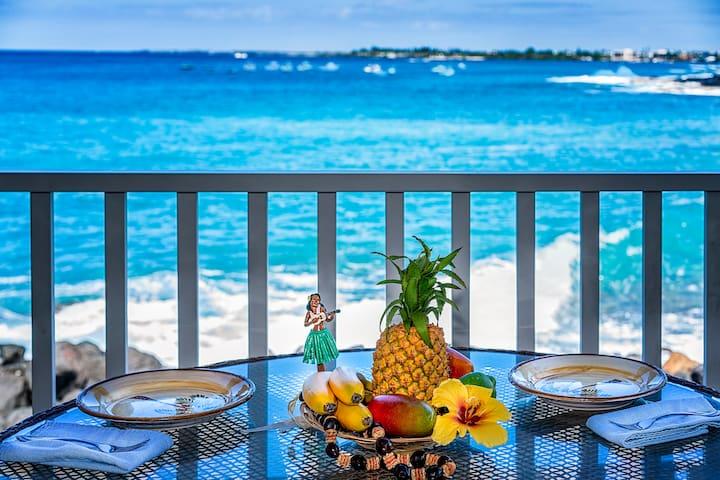 Hale Alaula (Sea Village 1105)-Gorgeous outdoor dining!