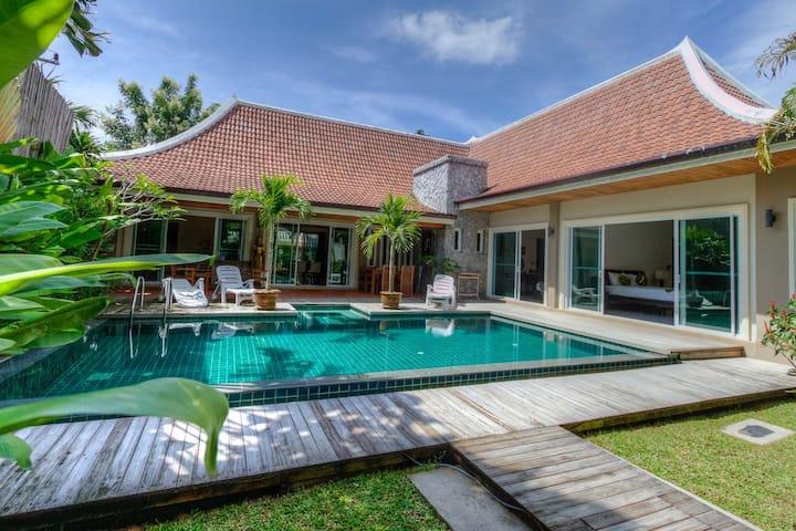 Grand Villa with private family Pool.