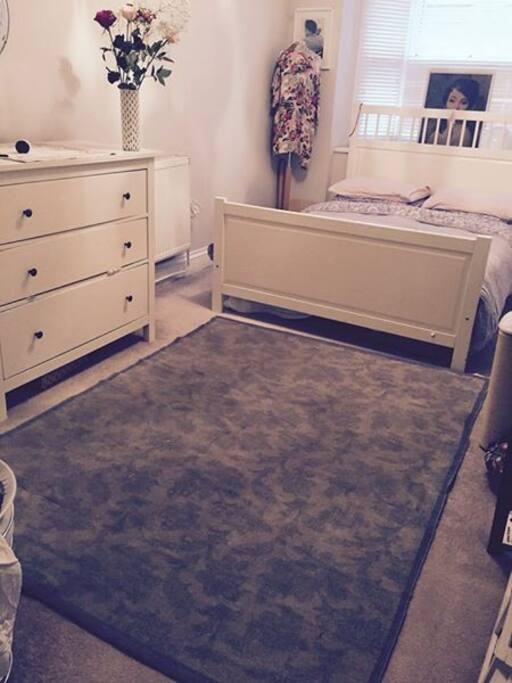 Beautiful spacious double bedroom.
