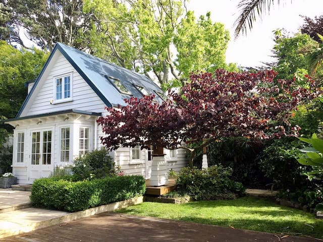 Garden Cottage in Auckland Centre - Auckland - House