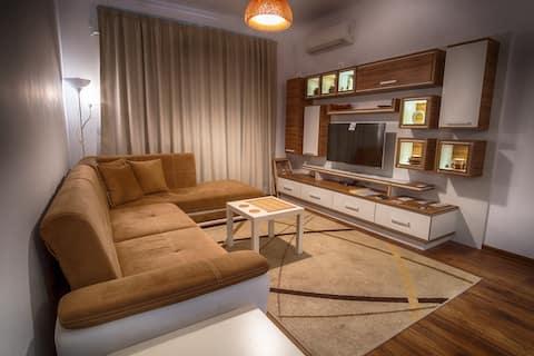 Sunshine Sofia XL - central, connected modern flat