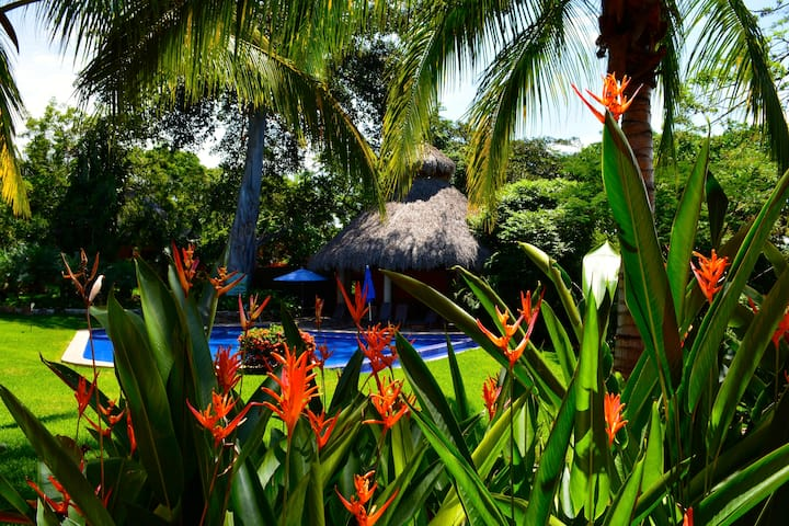 Private beach Villa la risa in Marina Chacala