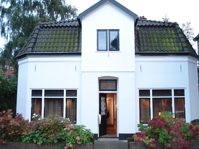 Cosy Villa close to Amsterdam