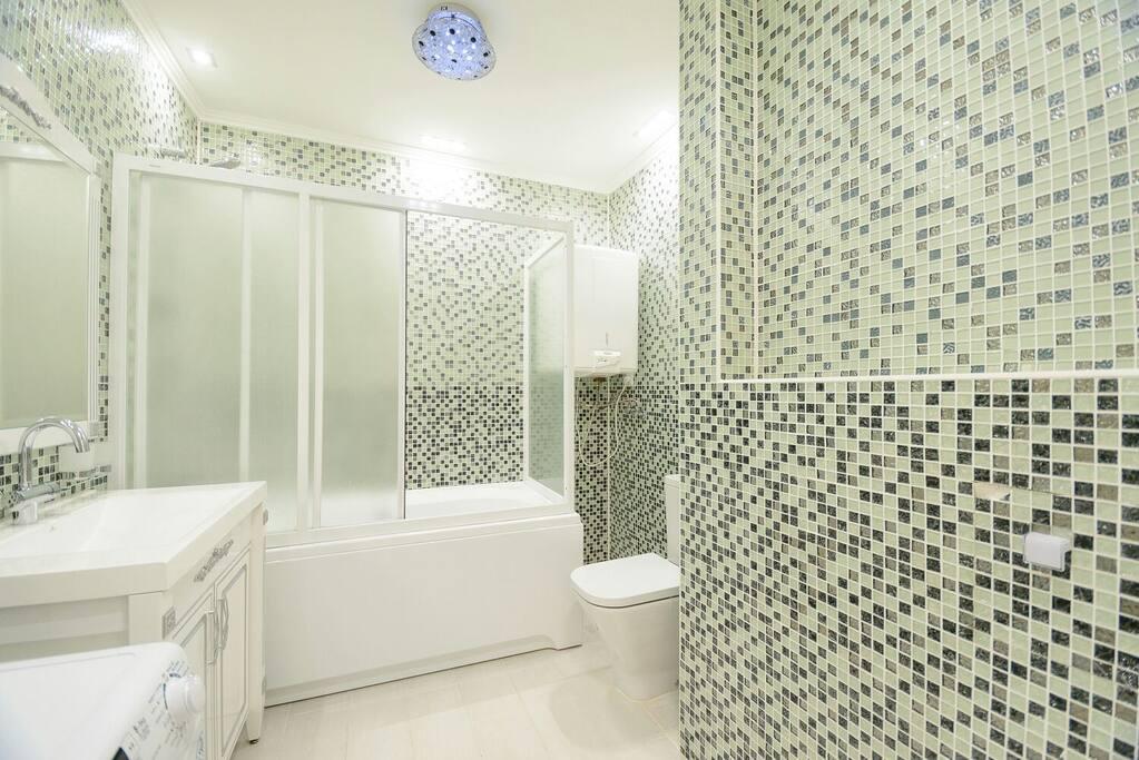 ванная комната в спальне.