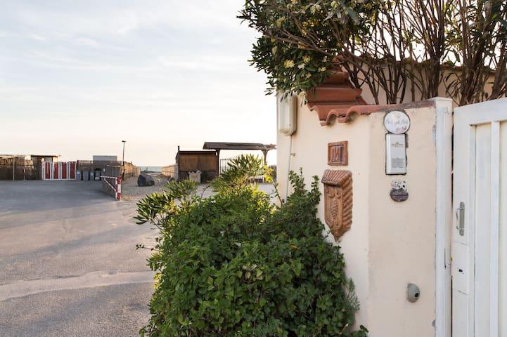 Casa al mare,Focene Aereoporto Roma - Focene - Dům