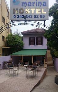 ANTALYA MARİNA HOSTEL - Antalya - Bed & Breakfast