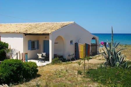 Almyros Beach House A2-Mistral Houses - Corfou - Maison