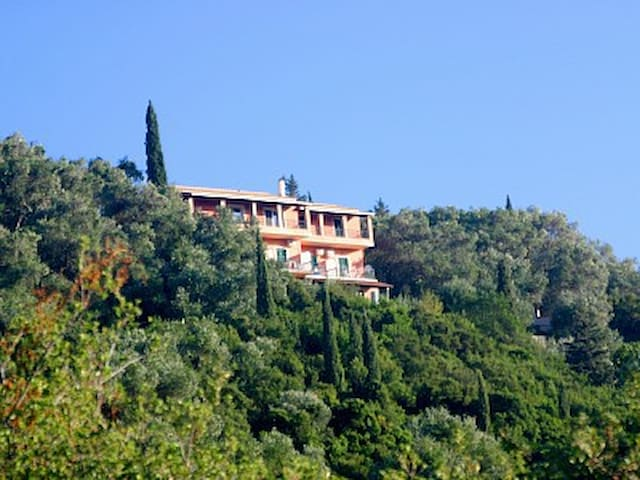 HOLIDAY ON CORFU  'VILLA PANORAMA'