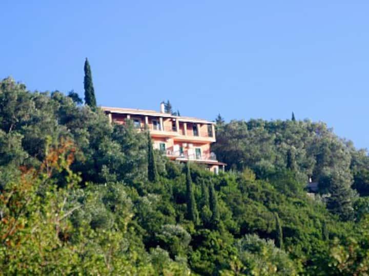 """villa panorama' luxury apartment"
