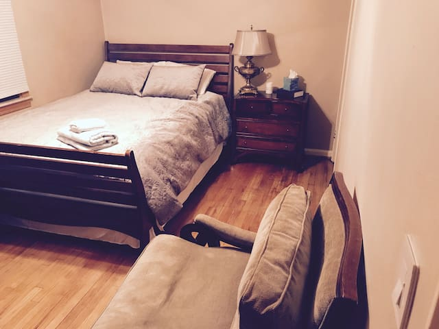 Dearborn/Detroit Business Stay