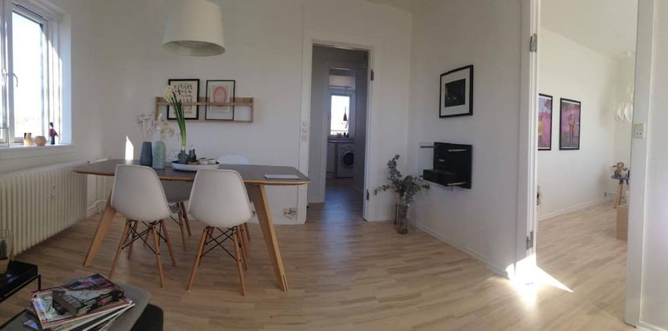 Cosy, light and homely apartment - Søborg - Apartemen