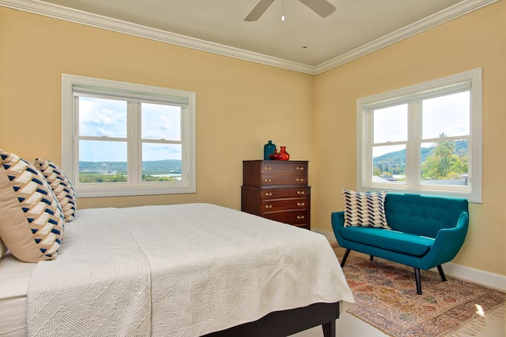 2nd. king bedroom with wrap around views