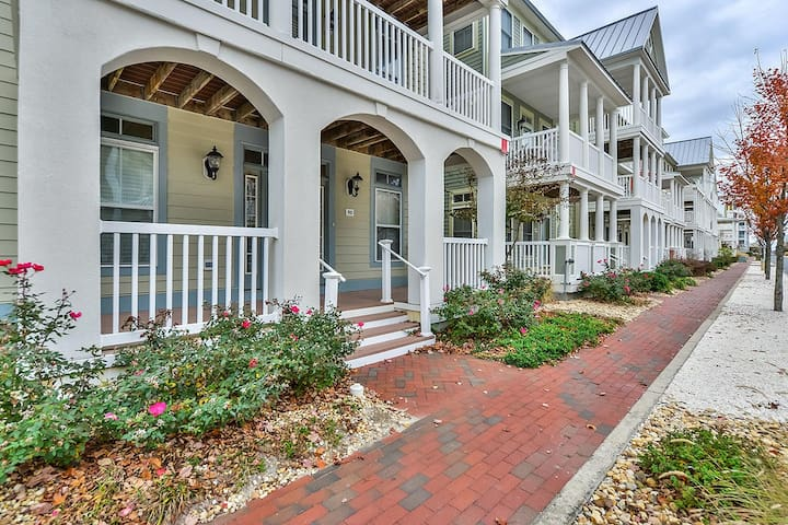 518 - SUNSET ISLAND Luxury 6BDR House End Unit W/ Fireplace