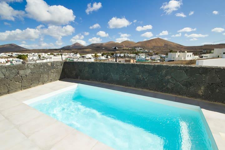 Villa with amazing views in Uga - Lanzarote