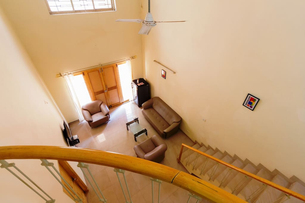 Common area with access to Tv, Wifi, Iron & Fridge