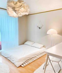 감성하우스(하조대 부근 오션뷰 17평 아파트, 2rooms)