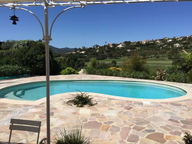 Golf de Sainte-Maxime, maison et piscine au calme