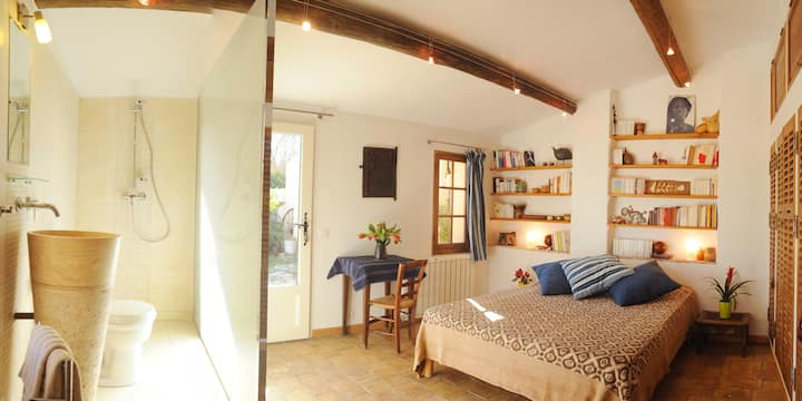Charming B&B in South Provence