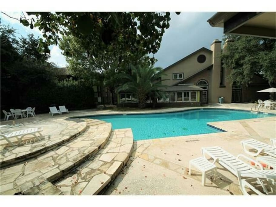 Great pool and patio area to hang out with your friends.