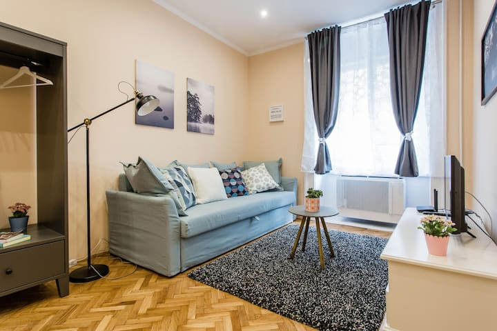 City Home by Basilica for 8 persons with 2 rooms