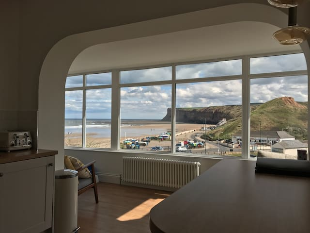 Burnsyde Beach House - Luxury Holiday Home - Saltburn-by-the-Sea - Бунгало