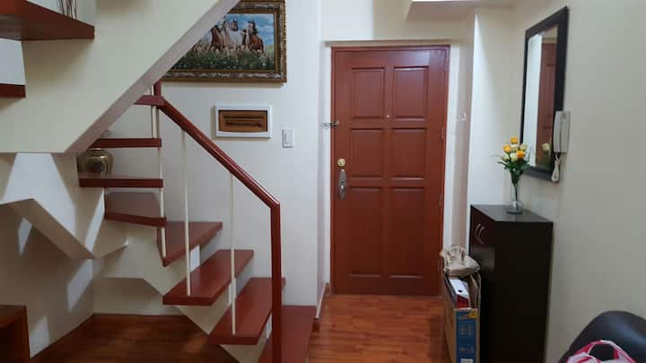Family & Business Friendly Condo