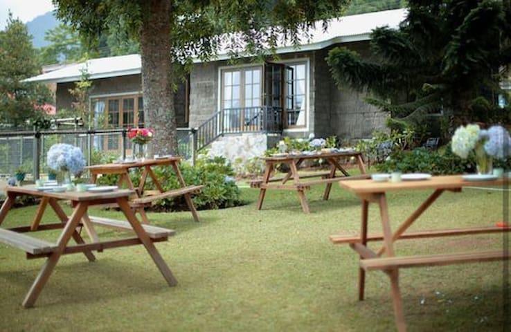 VILLA HRV 2 Modern Farm House