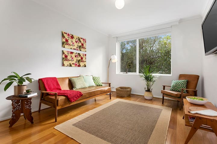 Light Filled Seventies Retro Flat - Northcote - Appartamento