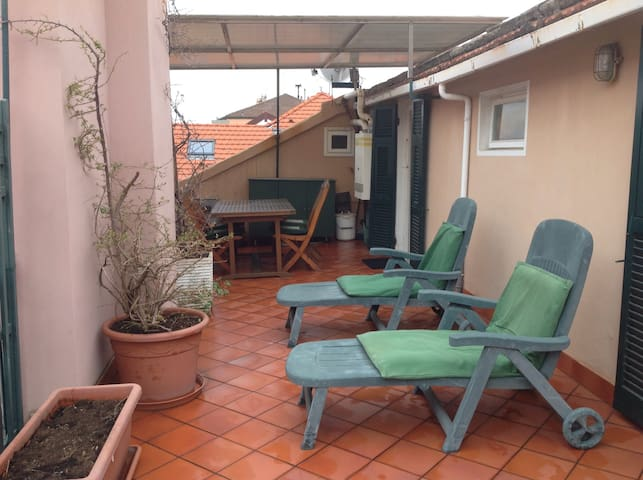 Mansard in the city center with a big terrace - Varazze - Apartament