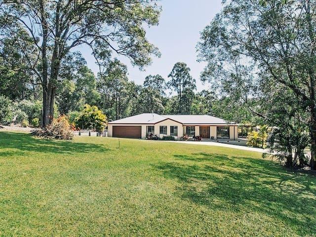 Coolibah Downs Private Estate - Shepherds Villa - Nerang - House