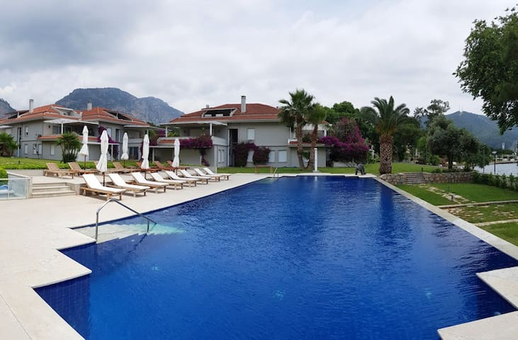 Luxury Seafront w/Private Pool, Garden, Free Wi-Fi