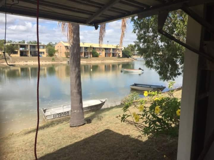 Mooloolaba 2 Bedroom Canal unit self contained
