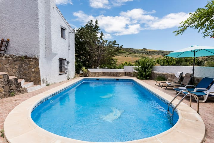 Rustic luxury villa with large pool - Periana - Hus