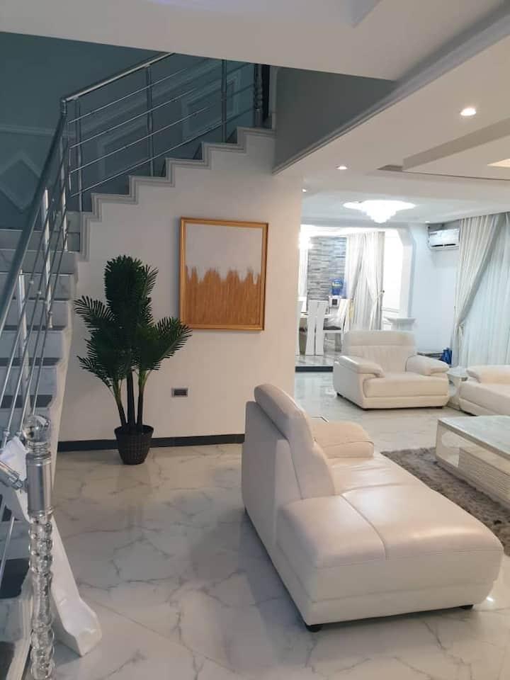 Luxury 4 bedroom duplex house.