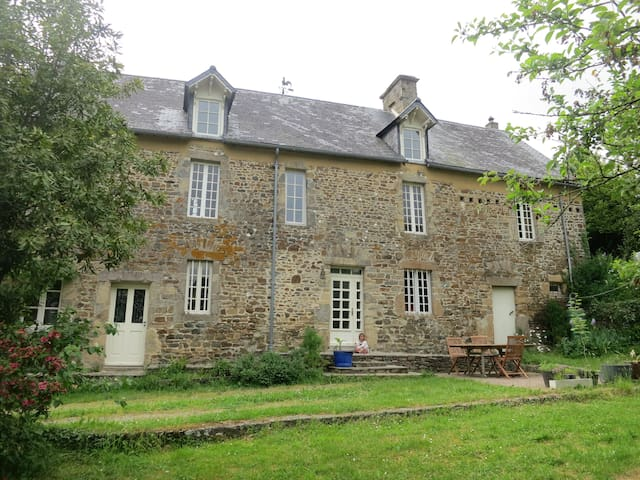 charmant verblijf in een 300 jaar oud huis!